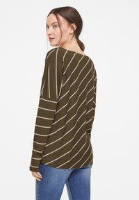 comma casual identity - Long sleeved top - khaki diagonal stripes - 2