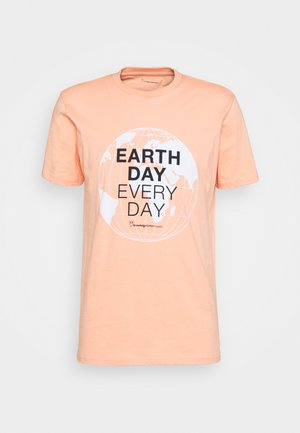 ALDER EARTH DAY EVERY DAY GLOBE TEE  - Triko spotiskem - shimp