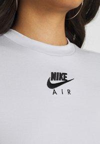 Nike Sportswear - AIR CROP - Print T-shirt - pure platinum - 5
