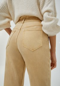 PULL&BEAR - PAPERBAG - Relaxed fit jeans - beige - 5