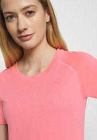 Puma - RAGLAN TEE - T-Shirt print - bubblegum - 4