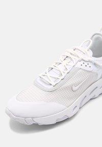Nike Sportswear - REACT LIVE - Zapatillas - white/pure platinum - 4