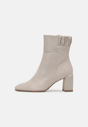 Korte laarzen - dusty grey