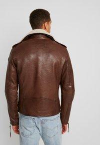 Tigha - FALCO - Veste en cuir - dark brown/beige - 3