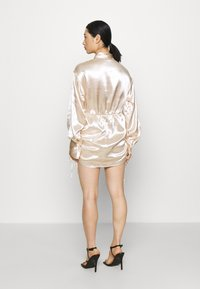 Gina Tricot Petite - SIDNEY SHIRT DRESS - Cocktailjurk - sandshell - 2