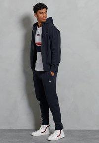 Superdry - Zip-up hoodie - deep navy - 1