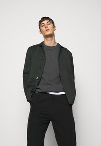 J.LINDEBERG - OLIVER  - Stickad tröja - dark grey melange - 4