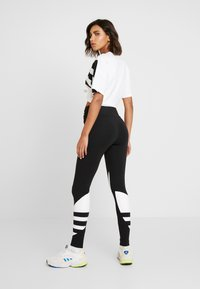 adidas Originals - LARGE LOGO ADICOLOR LARGE LOGO TIGHT TIGHTS - Leggings - Trousers - black/white - 2