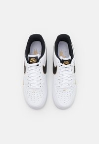 Nike Sportswear - AIR FORCE 1 '07 LV8 - Sneakers - white/black/metallic gold - 3