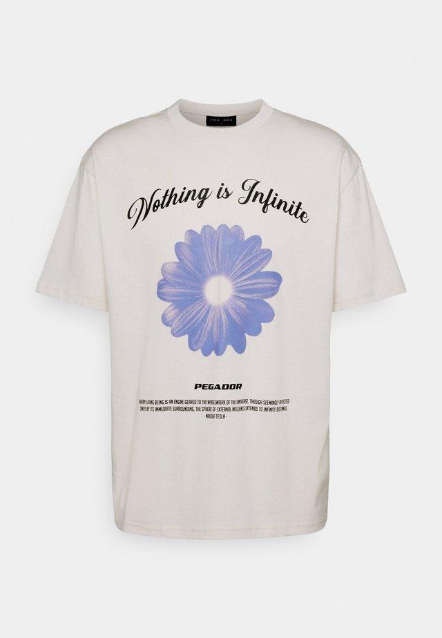 ROGERS TEE UNISEX - Print T-shirt - coconut milk