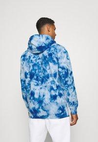 Ellesse - GOTTERO TIE DYE HOODY - Sweatshirt - blue - 2
