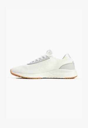 BASKETS  - Sneakersy niskie - white