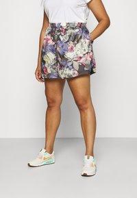 Nike Sportswear - Shorts - ironstone/black - 0
