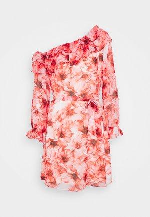 VIALIVIA OFFSHOULDER DRESS - Cocktail dress / Party dress - mars red