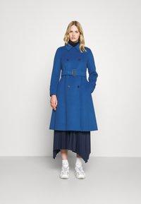 WEEKEND MaxMara - STRUZZO - Classic coat - dusty blue - 0