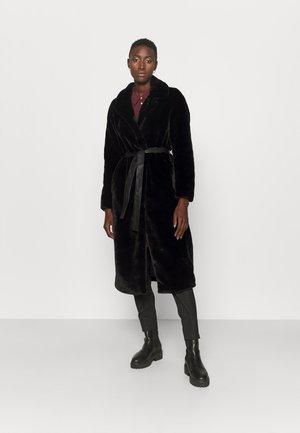 ONLBENEDICTE LONG COAT - Klasyczny płaszcz - black