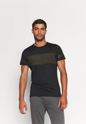 STRIPE - T-shirt imprimé - black beauty