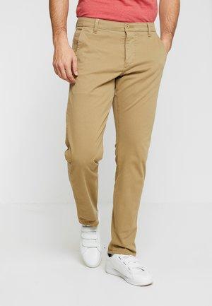 SMART SUPREME FLEX TAPERED - Pantalon classique - new british khaki