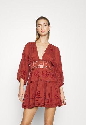 TEA TIME MINI - Day dress - rust worthy