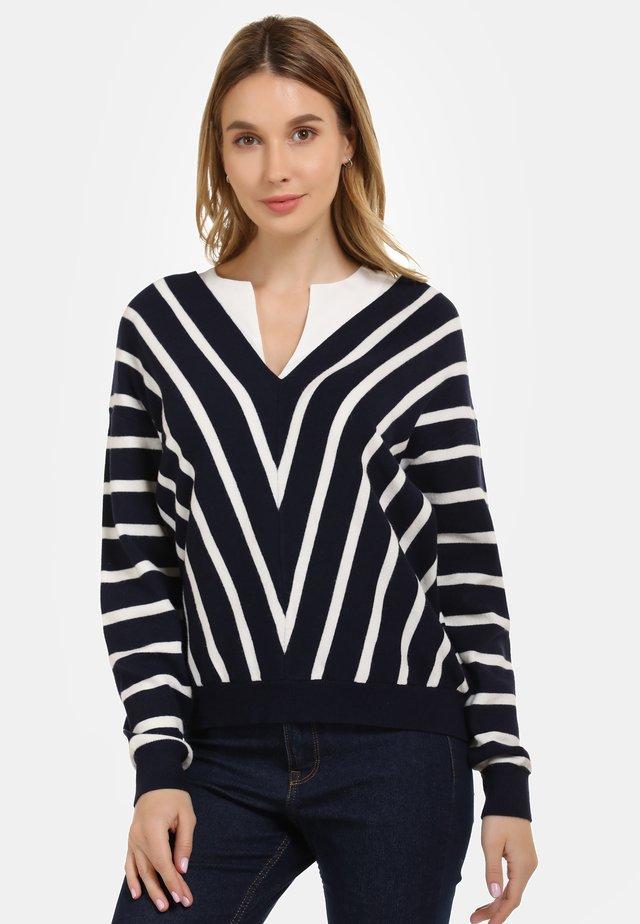 Stickad tröja - woolen white/marine