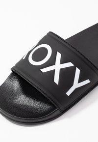 Roxy - SLIPPY  - Sandalias planas - black - 2