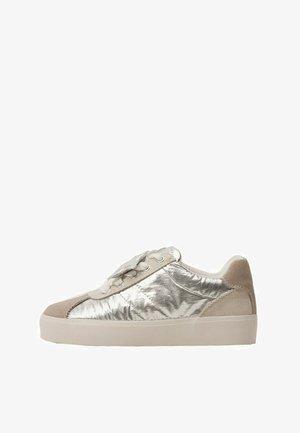 VERWIJDERBARE CHARM 3D - Skateschoenen - zilver