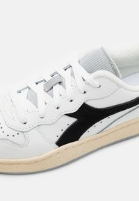 Diadora - MI BASKET ICONA UNISEX - Zapatillas - white/black/high rise - 5