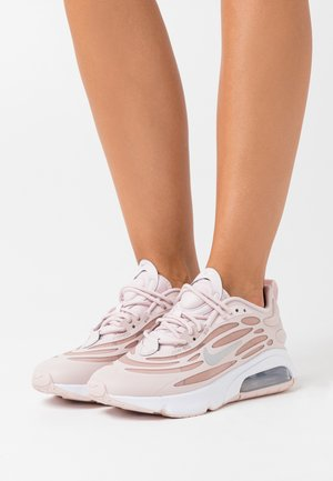 AIR MAX EXOSENSE - Sneakersy niskie - barely rose/metallic silver/stone mauve/white