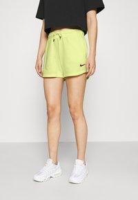 Nike Sportswear - Short - zitron - 0