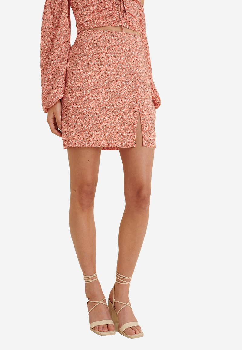 NA-KD - A-line skirt - painted floral coral