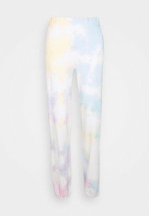 PCPINAR PANTS  - Tracksuit bottoms - cloud dancer