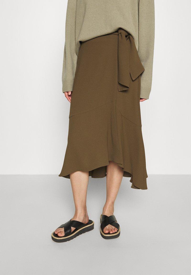 RIANI - Zavinovací sukně - militare
