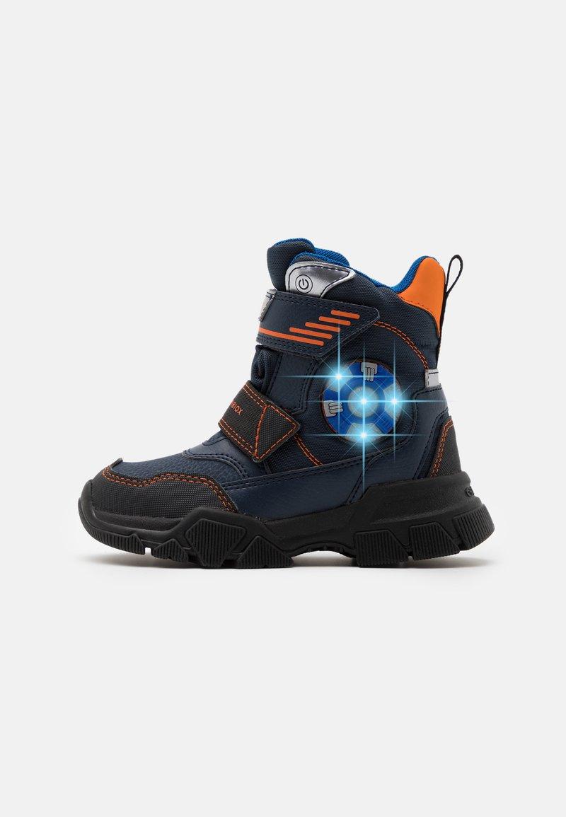 Geox - NEVEGAL BOY ABX - Zimní obuv - navy/orange