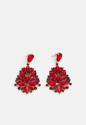 PCLAVAN EARRINGS - Earrings - gold-coloured/red