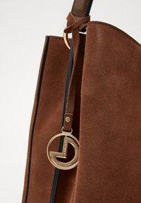 L. CREDI - FIORETTA - Handbag - cognac - 2