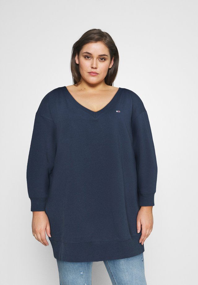 TJW V-NECK SWEAT DRESS - Denní šaty - twilight navy