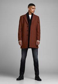 Jack & Jones PREMIUM - JPRMOULDER  - Short coat - brown - 1