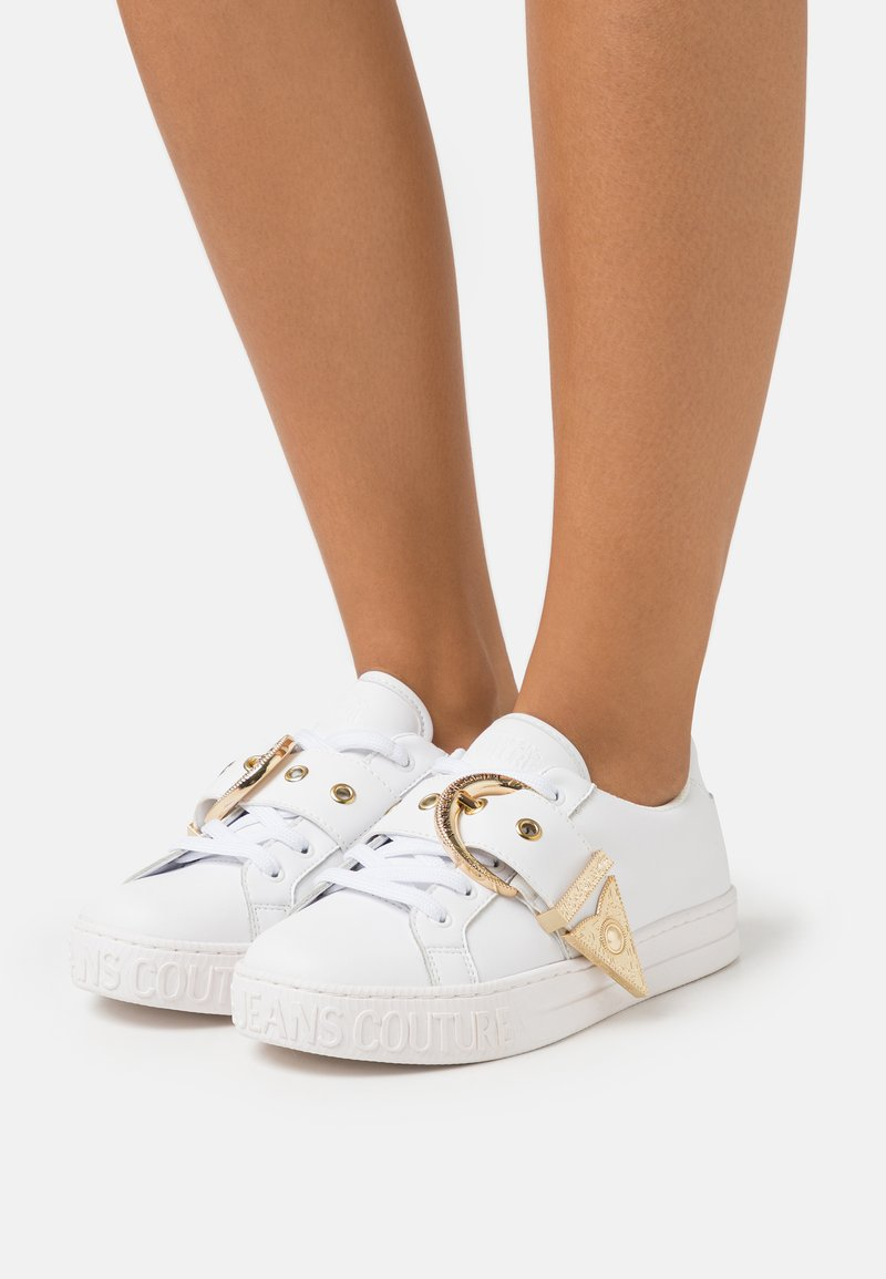 Versace Jeans Couture - Sneakersy niskie - white
