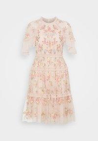 Needle & Thread - EMMA DITSY MINI DRESS - Koktejlové šaty/ šaty na párty - strawberry icing - 6