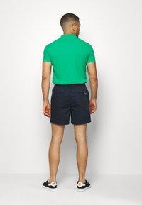 Jack & Jones - JJIFREE JJJOGGER - Shorts - navy blazer - 2