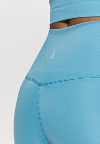 Nike Performance - THE YOGA 7/8  - Medias - cerulean/light armory blue - 4