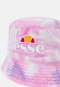 Ellesse - HALLAN BUCKET HAT UNISEX - Hat - pink - 3