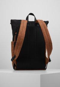 Pier One - UNISEX - Plecak - brown/black - 2