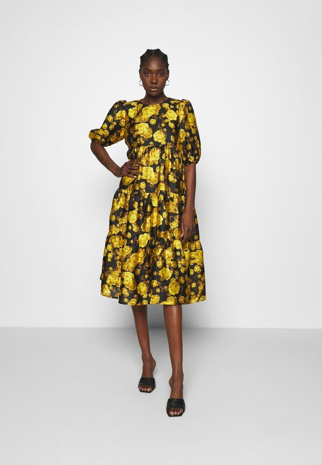 LILICRAS DRESS - Cocktail dress / Party dress - yellow