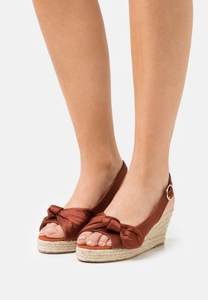 VMFELIA WEDGE  - Platform sandals - chutney
