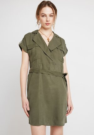 NMVERA ENDI DRESS - Skjortekjole - olive night