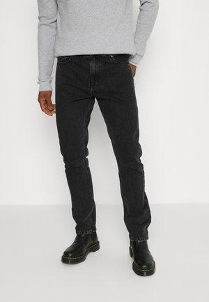 CLASSIC ORGANIC DAD - Slim fit jeans - black