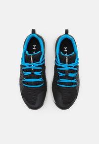 Under Armour - CHARGED COMMIT TR  - Chaussures d'entraînement et de fitness - black - 3
