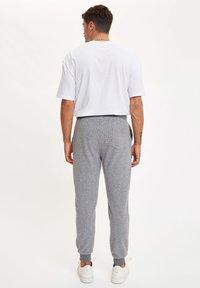 DeFacto - Tracksuit bottoms - grey - 2