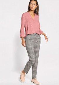 Cache Cache - Trousers - gris - 0